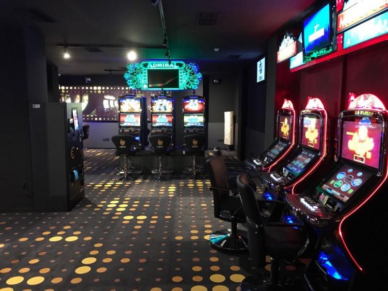 Salón de juegos de Azar TOKA